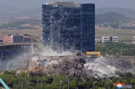 Triều Tiên đưa quân đến gần biên giới sau khi phá văn phòng liên lạc